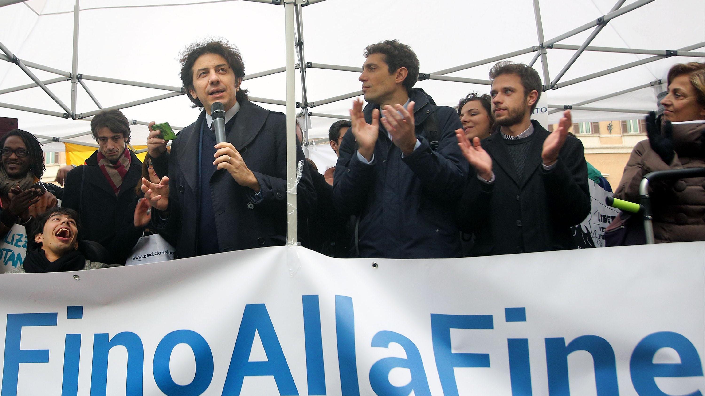 Processo a Marco Cappato, la pm Tiziana Siciliano chiede l'assoluzione: Mi rifiuto di essere parte dell'accusa