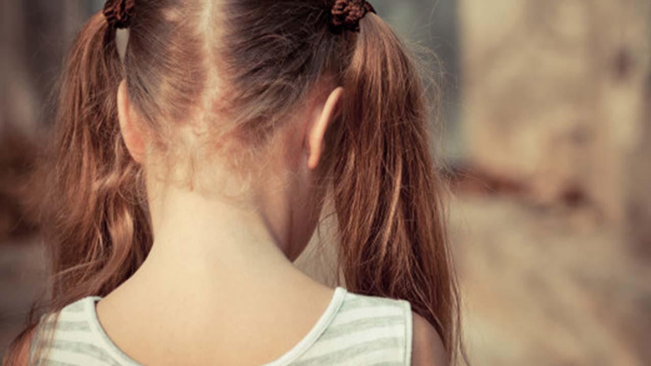 Palermo, bambina di 9 anni costretta a prostituirsi: arrestati i genitori