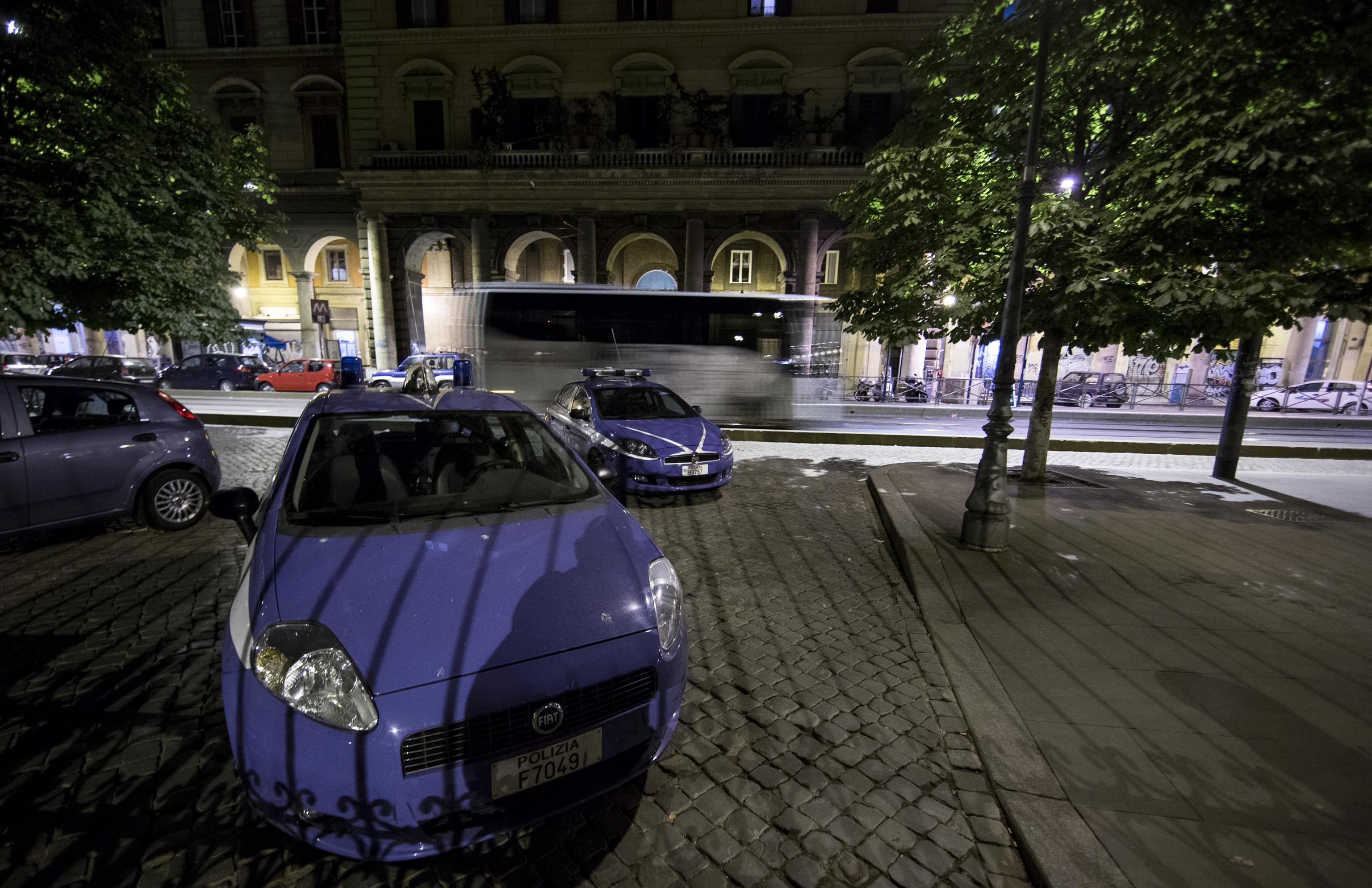 Roma: 75enne stuprata in piazza Vittorio, arrestato un 31enne