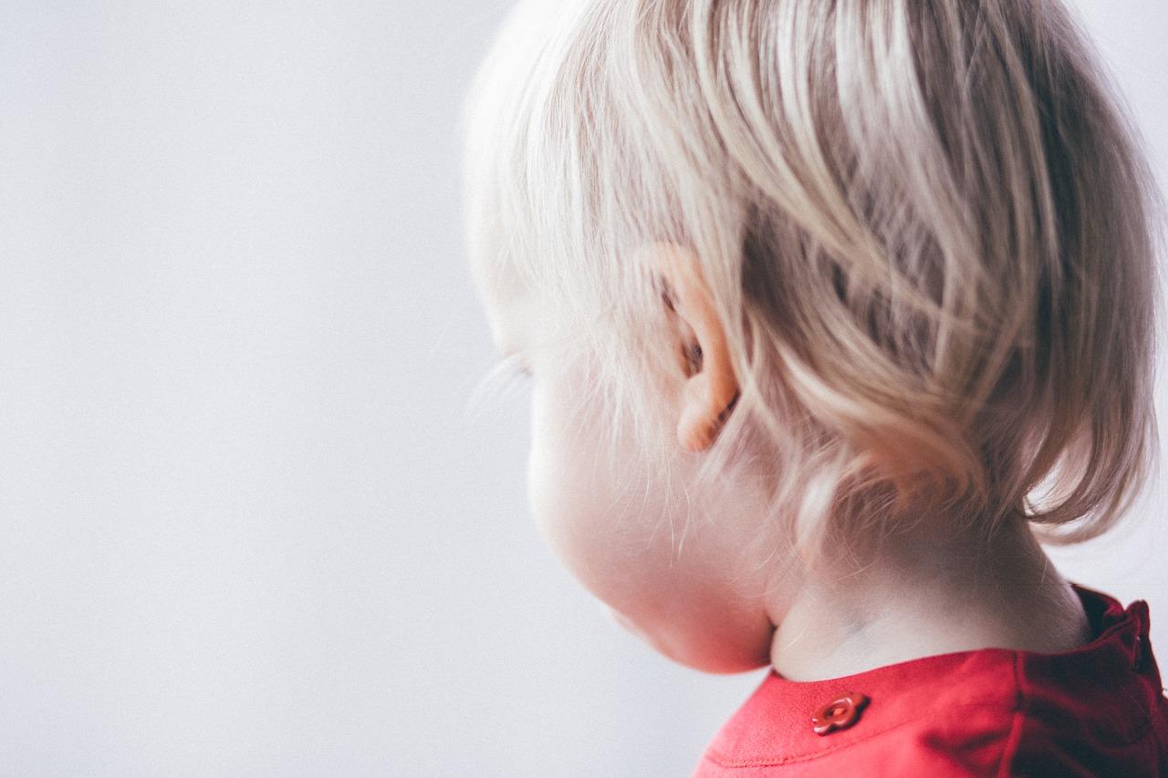 Bambino di 3 anni lamenta dolori alle ossa: per i medici è un'infiammazione, invece è un cancro