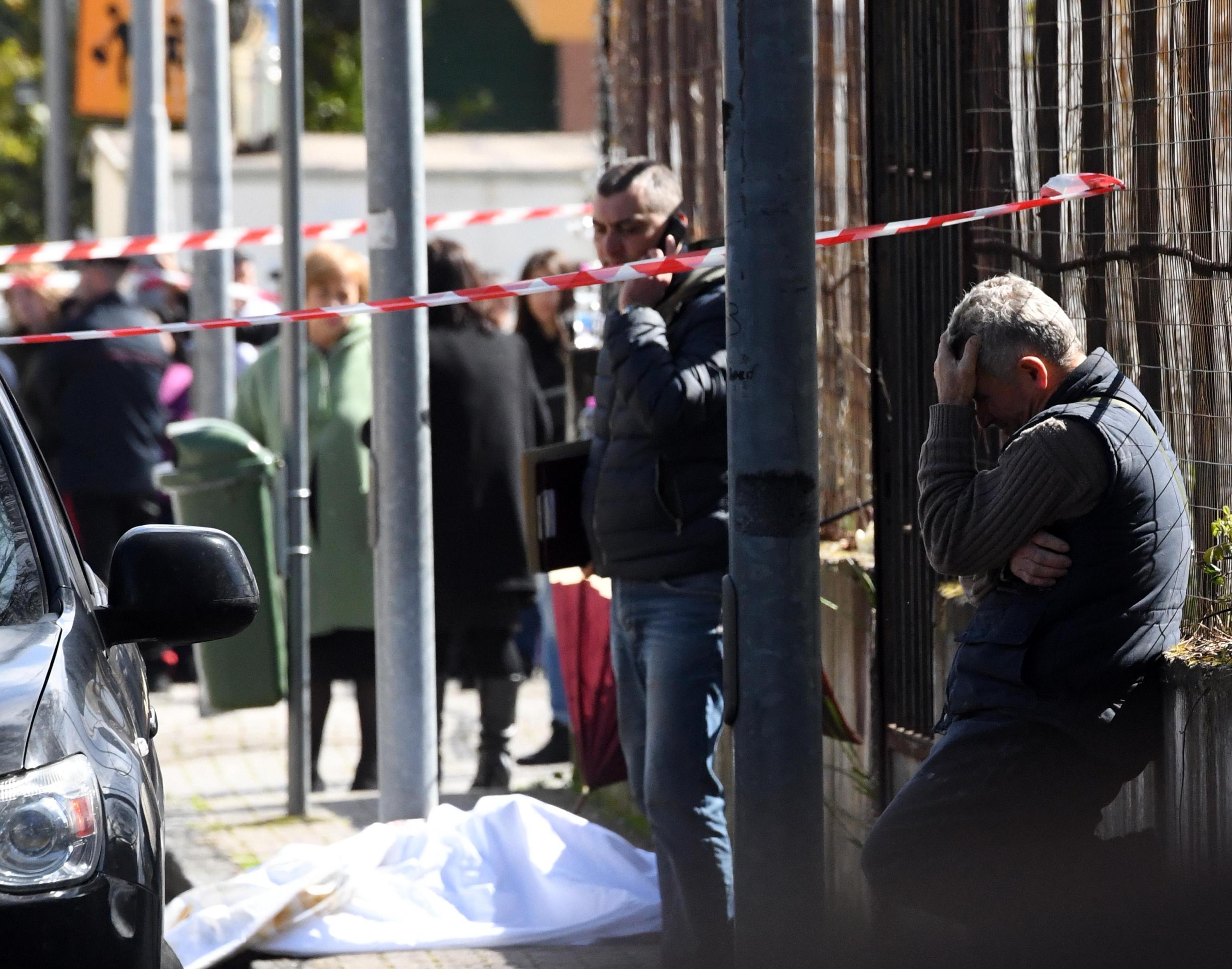 Terzigno, mamma uccisa davanti alla scuola: il marito omicida si è suicidato
