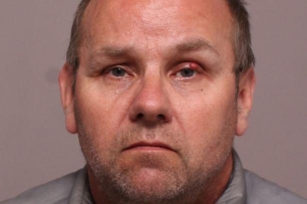 Abusava di due ragazze da quando avevano 5 anni, Paul South condannato a 28 anni
