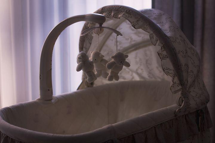 Pesaro, bambina muore a 7 mesi nel giorno del suo battesimo