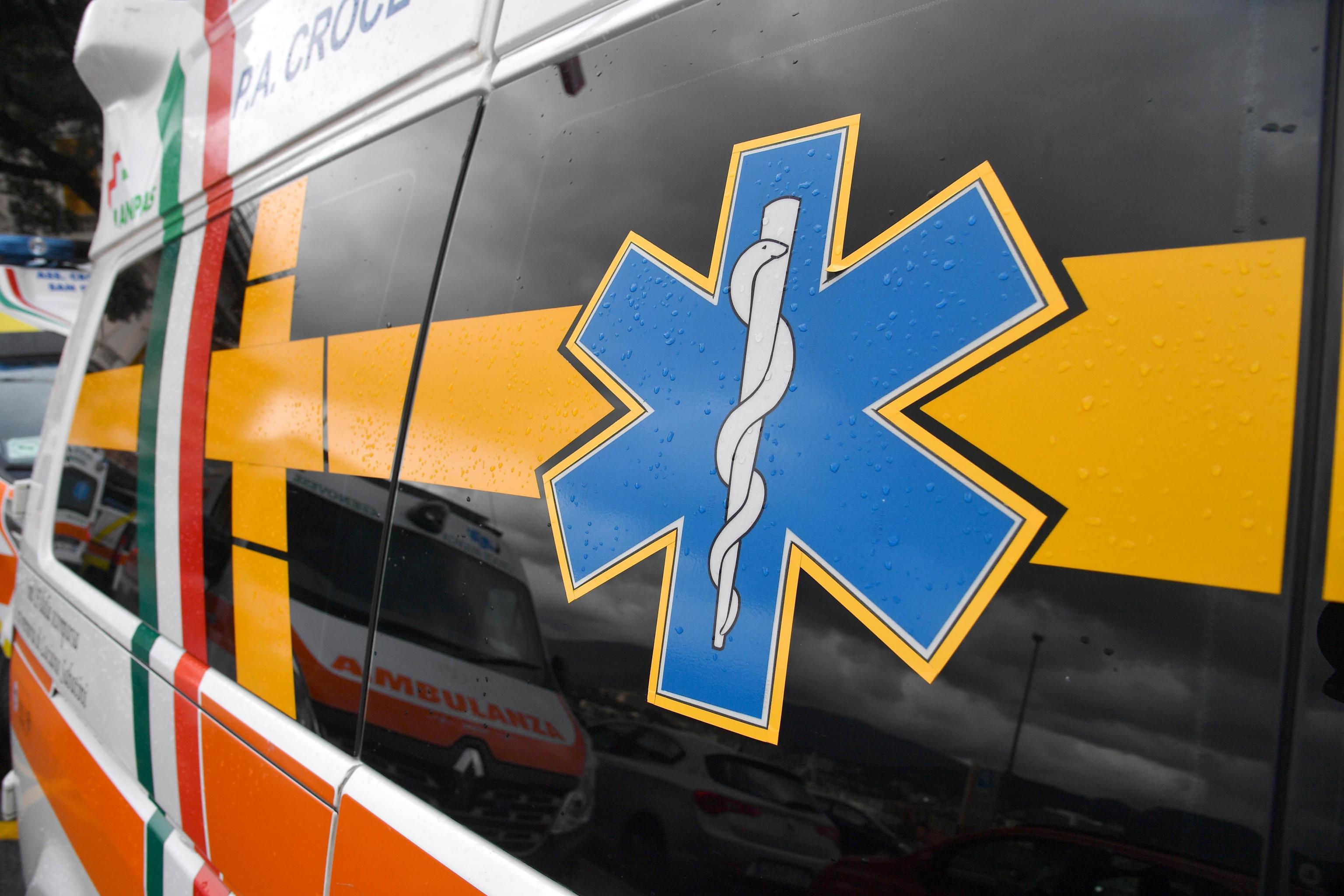 Friuli, incidente stradale a Pasqua: 43enne muore davanti al marito e ai figli