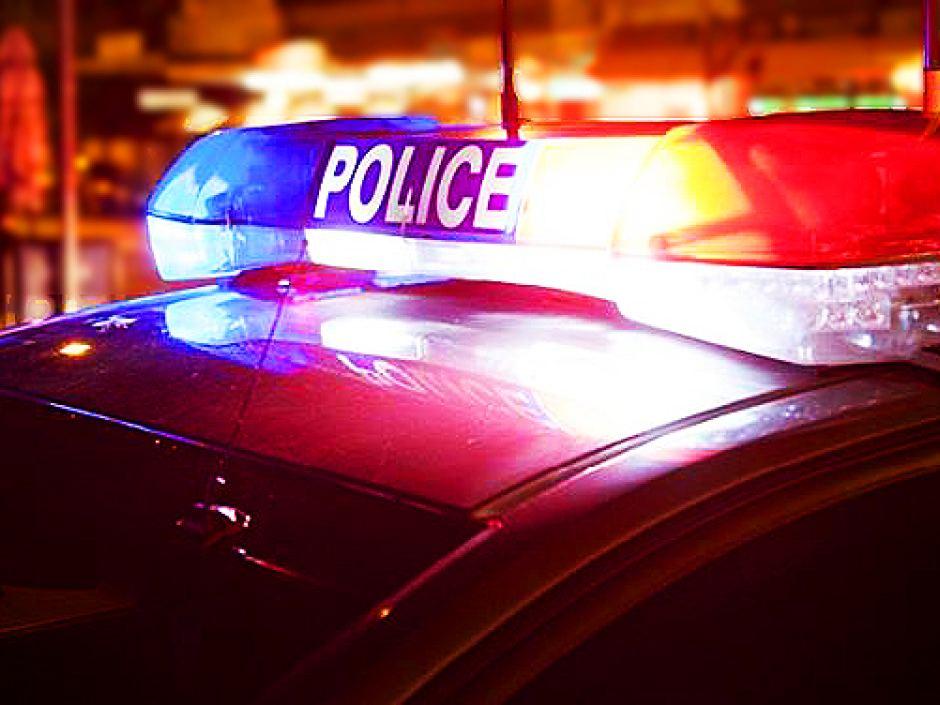Arrestata per aver lasciato i tre figli piccoli in casa: era partita per un weekend in Texas