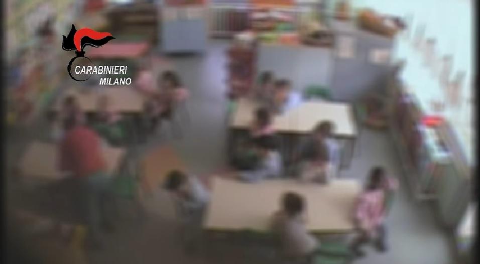 Varedo, maestra ai domiciliari per maltrattamenti su bambini dell'asilo