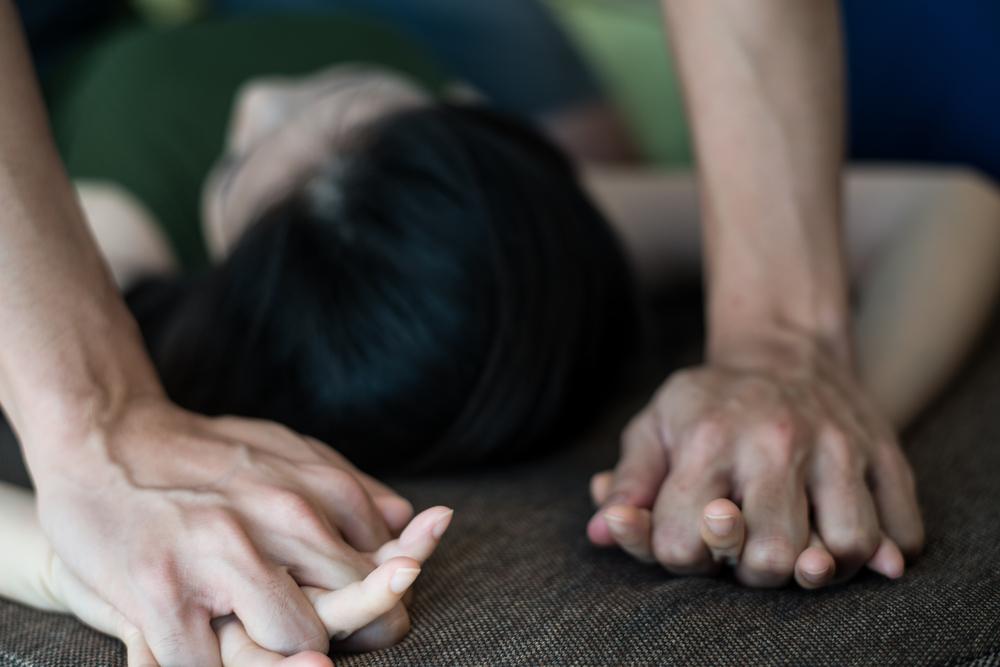 Vicenza, stupra la figlia adottiva per anni: arrestato un 41enne