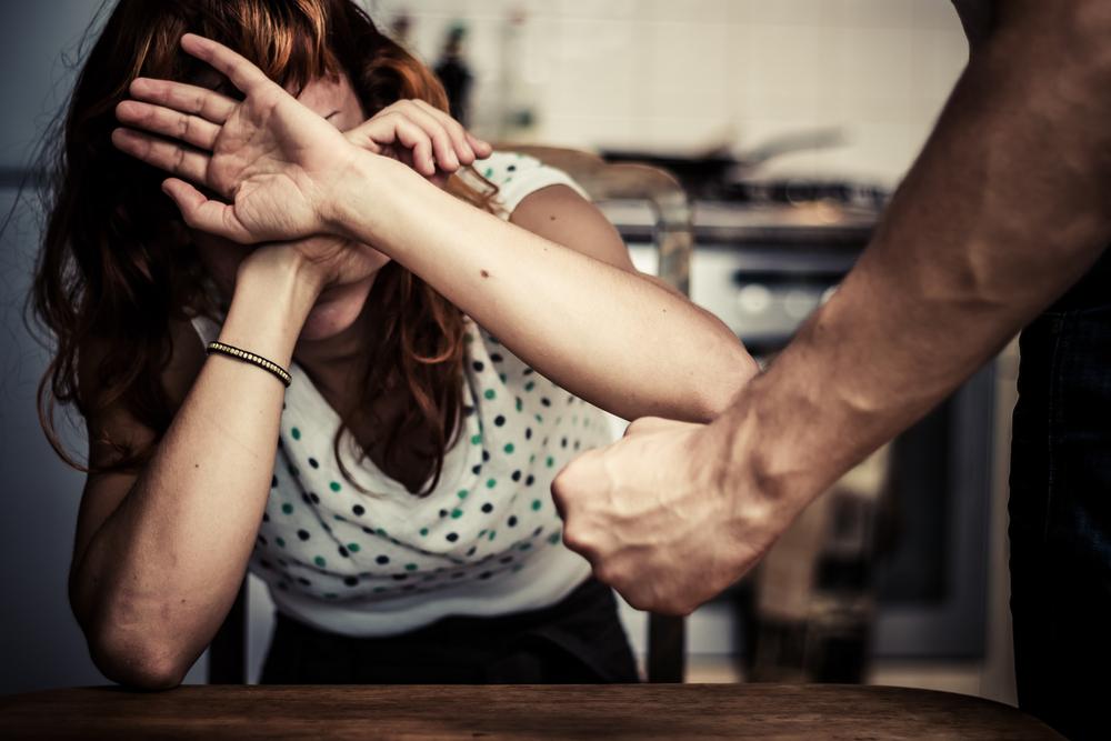 Soncino: sequestra e violenta la fidanzata che lo voleva lasciare