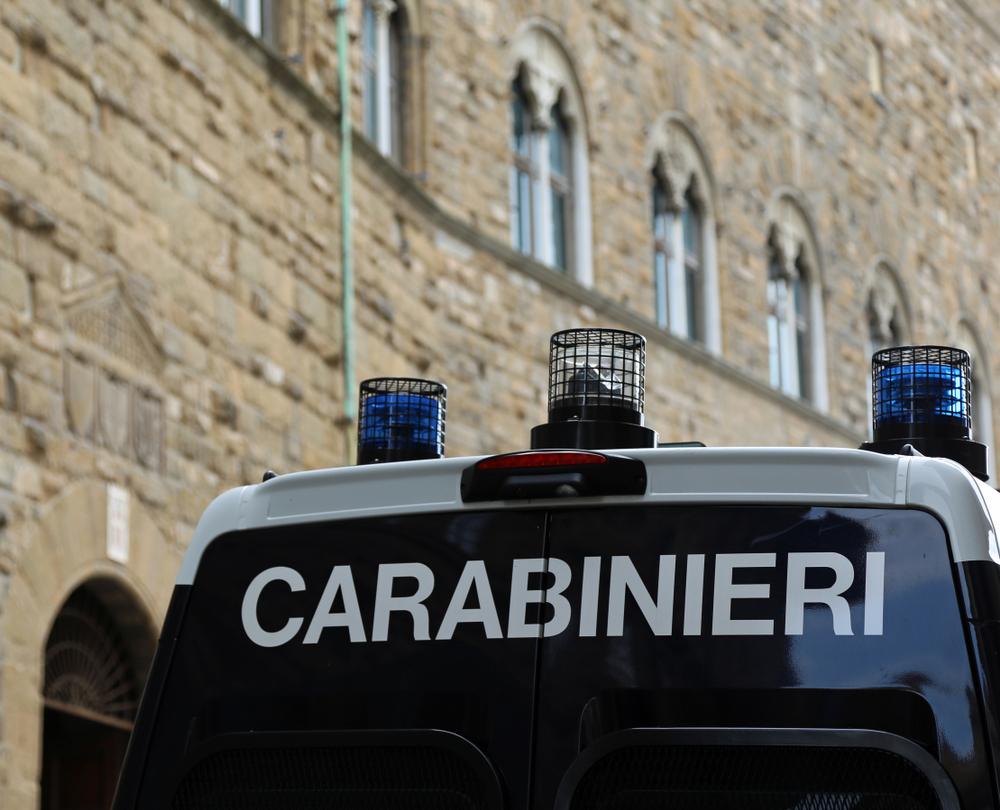 Giulianova: zingara ripresa in un video mentre cucina un gatto e lo mangia