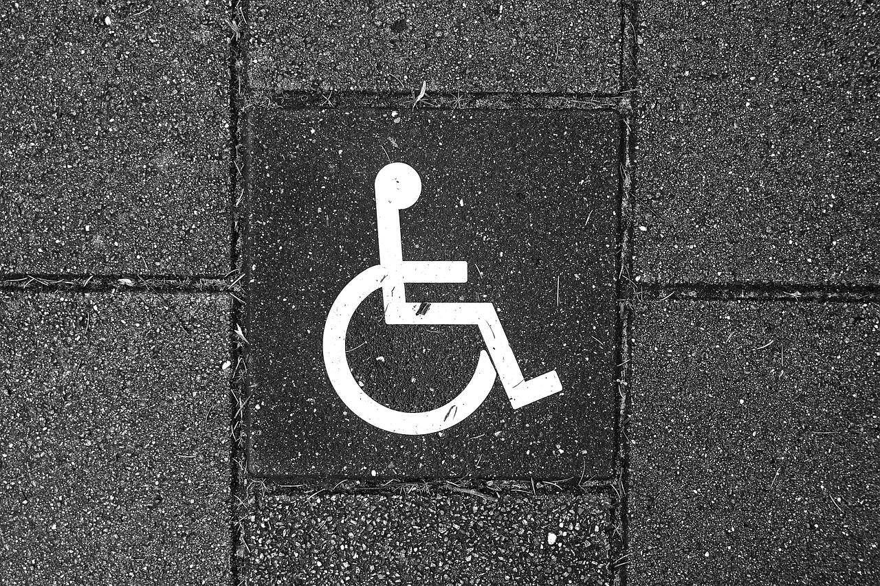 Paralisi cerebrale: 'Mio figlio era spacciato per i medici, ora ha 12 anni e cammina'