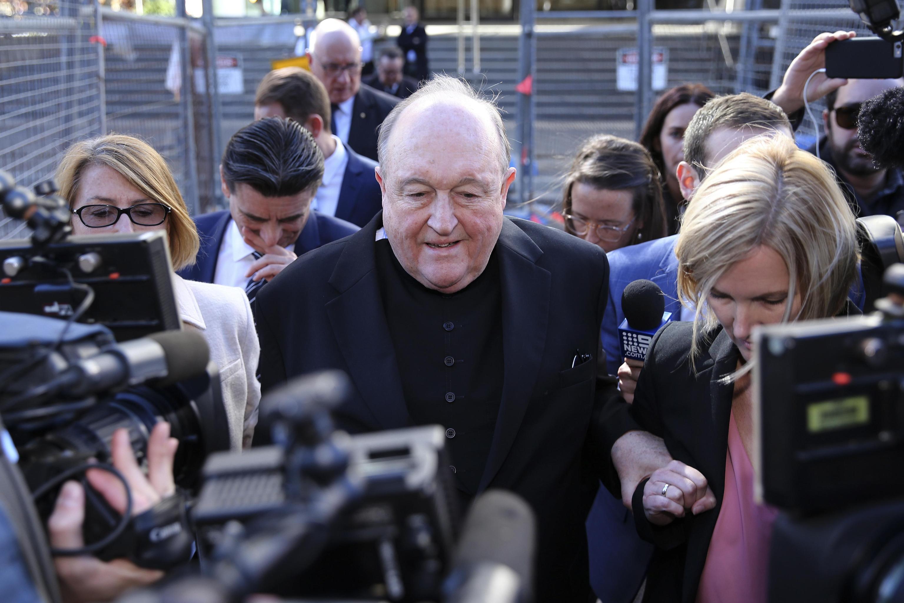 Arcivescovo condannato per aver insabbiato gli abusi di un prete pedofilo