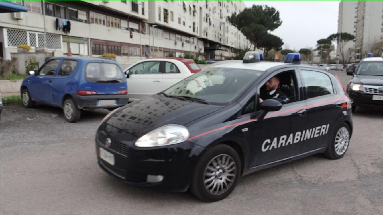 Roma, raid dei Casamonica in un bar: disabile si ribella e viene frustata