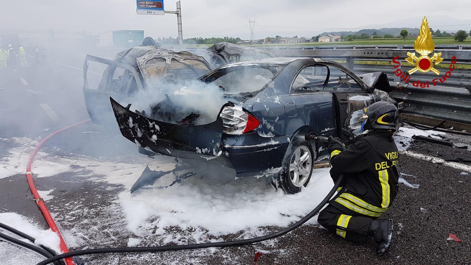 Incidente stradale sulla A31: padre e figlia morti carbonizzati nell'auto