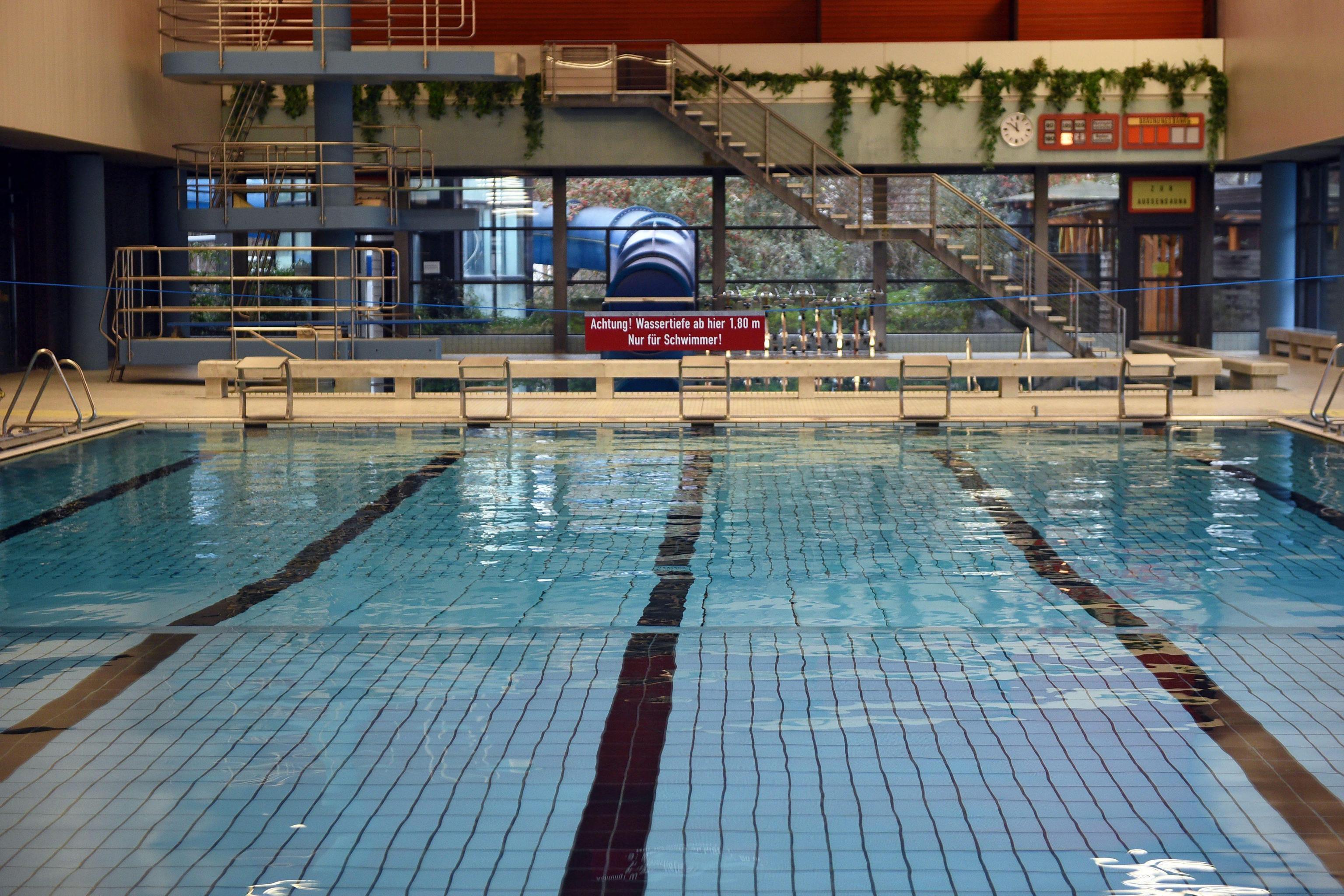 Genzano di Roma: mamma di 35 anni muore mentre si allena in piscina