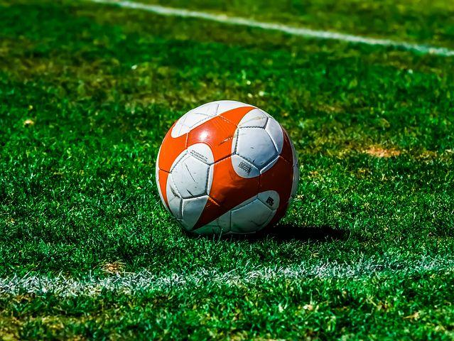 Pozzuoli, 17enne muore durante una partita di calcetto