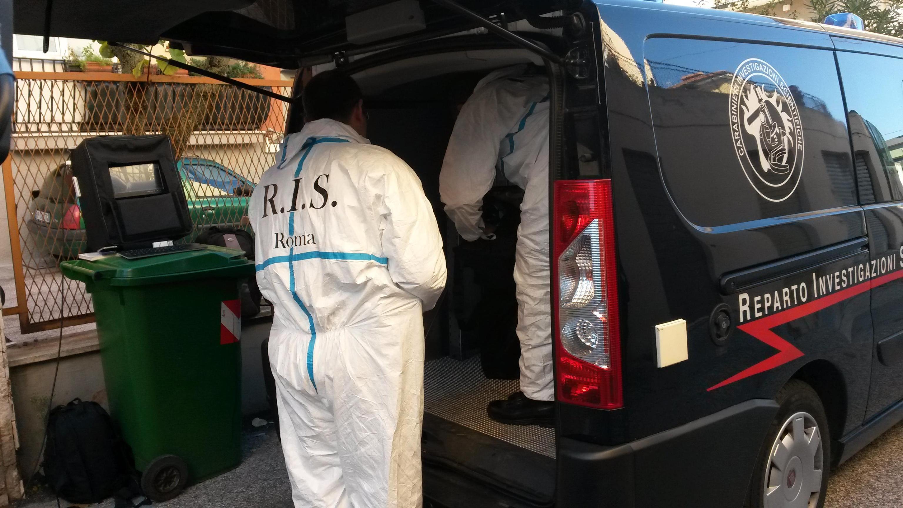 Ferrara, neonata sepolta nel freezer: la mamma accusata di omicidio colposo