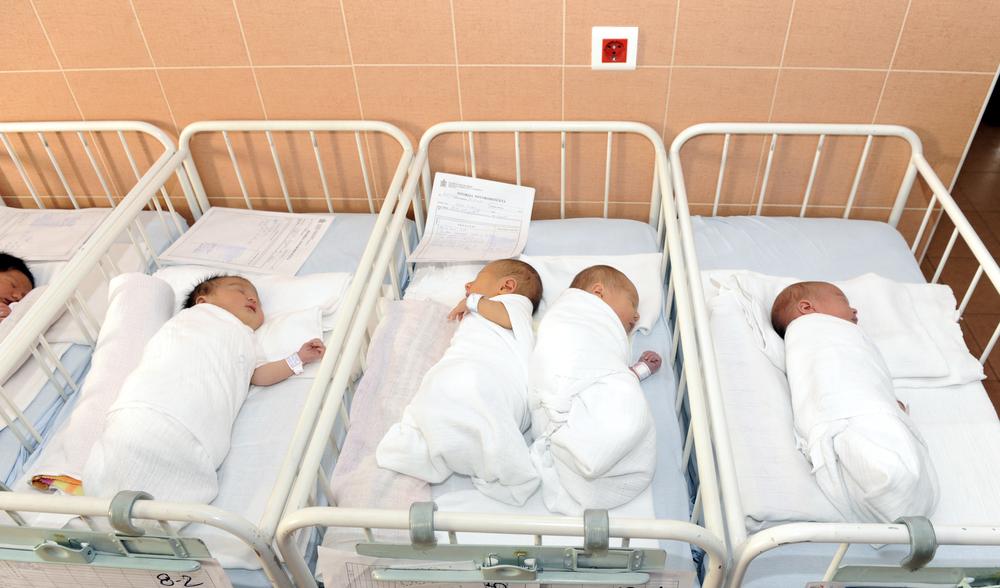 Partorisce due gemelli ed entra in coma: dramma a Battipaglia