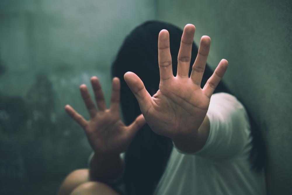 Turista inglese violentata da un branco di uomini a Sorrento: 5 in manette