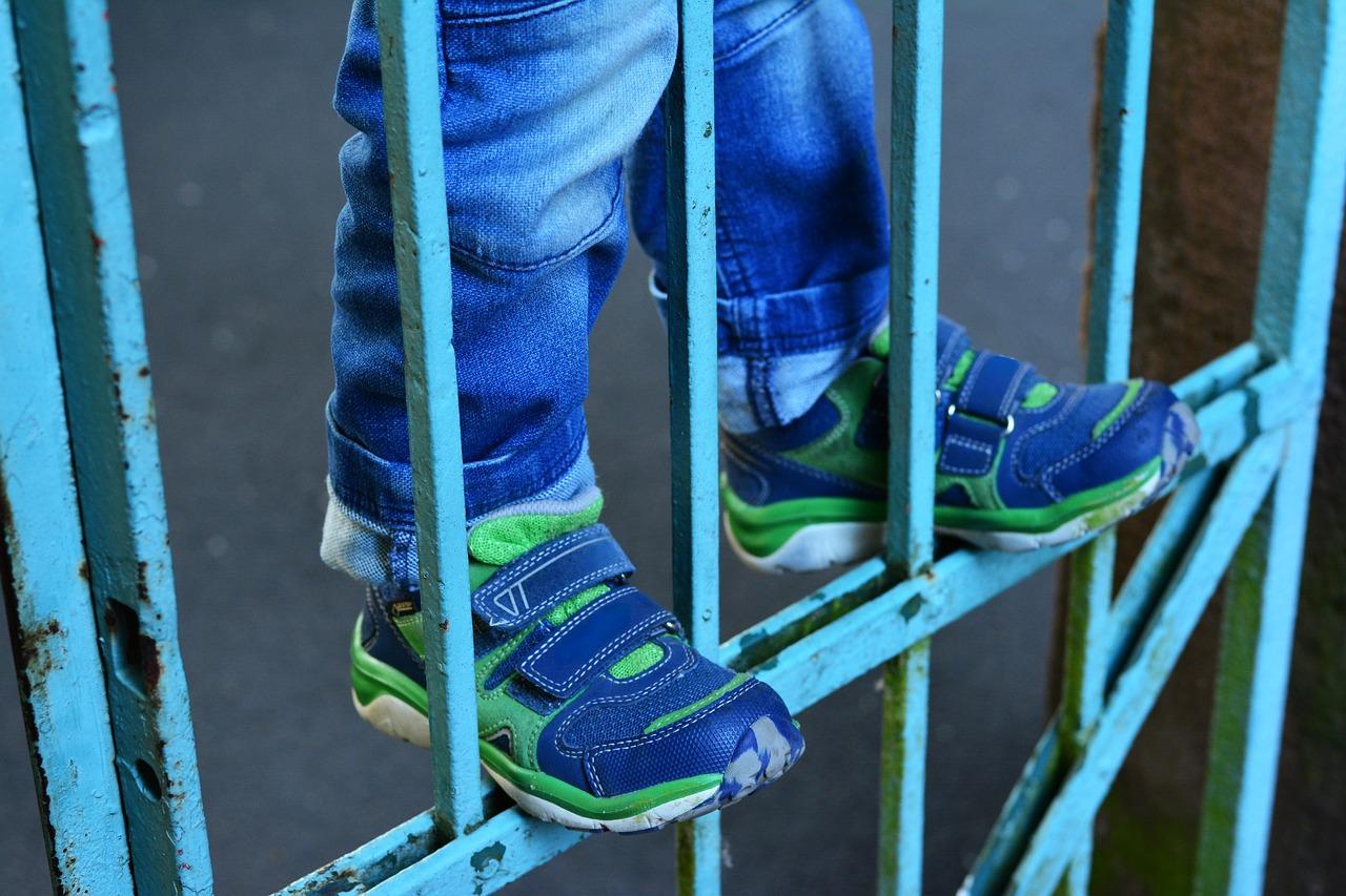 Bimbo di 4 anni rimasto schiacciato da un cancello si è risvegliato dopo un delicato intervento