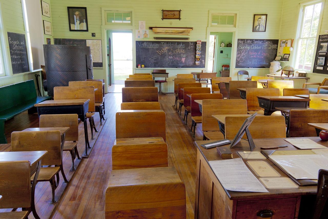 Parma, studentessa violentata in classe: denunciato un compagno
