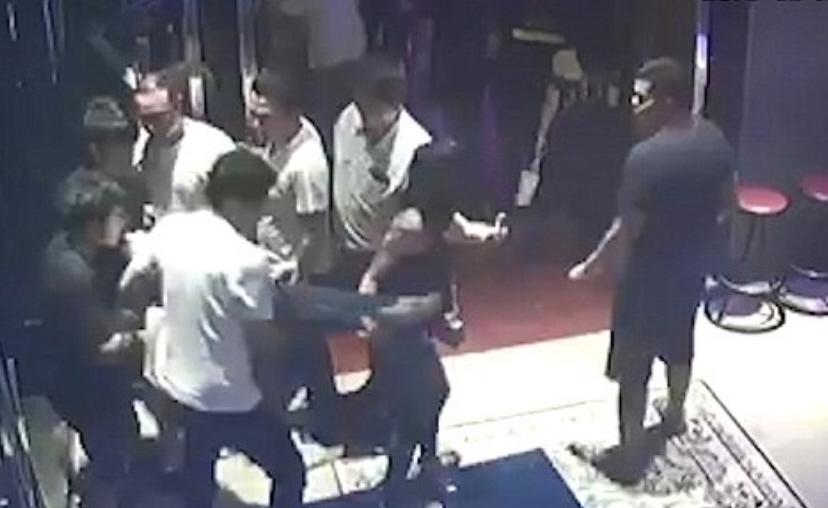 Violentano una ragazza ubriaca dopo la finale di Champions: inchiodati da un video
