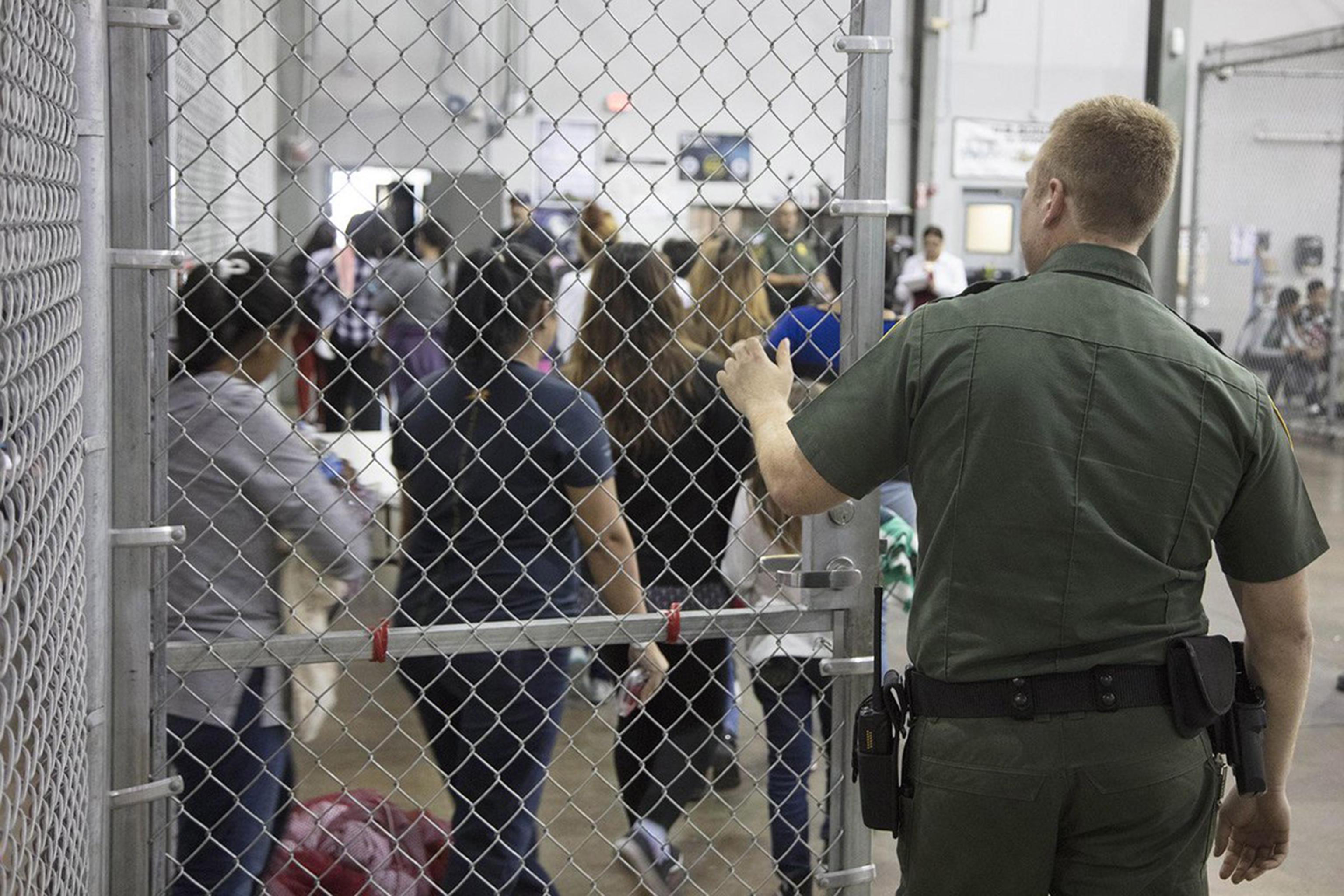USA, lo straziante audio registrato in un centro immigrazione: le urla dei bambini strappati alle famiglie