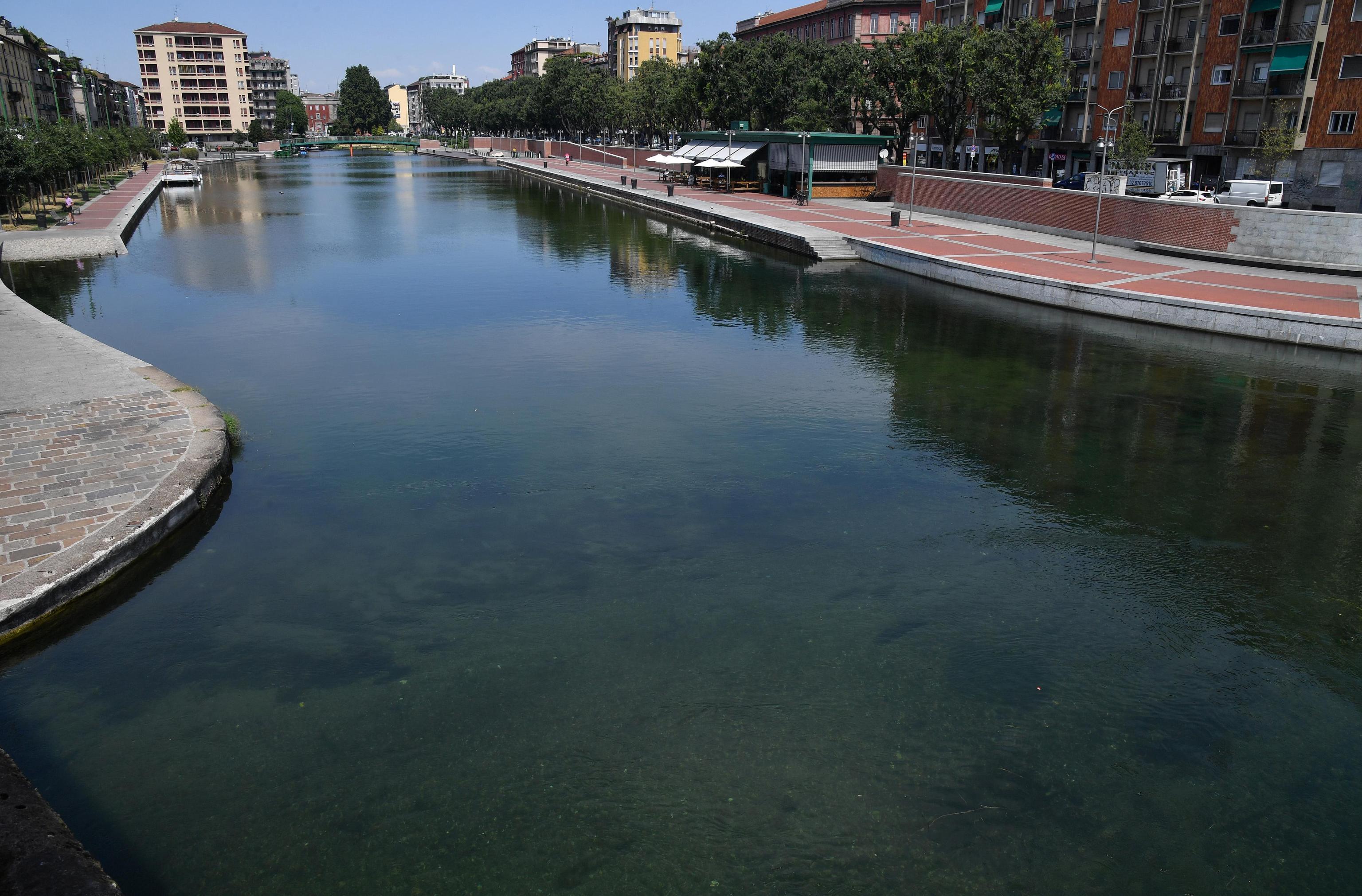 Cadavere di una 90enne ripescato nella Darsena a Milano