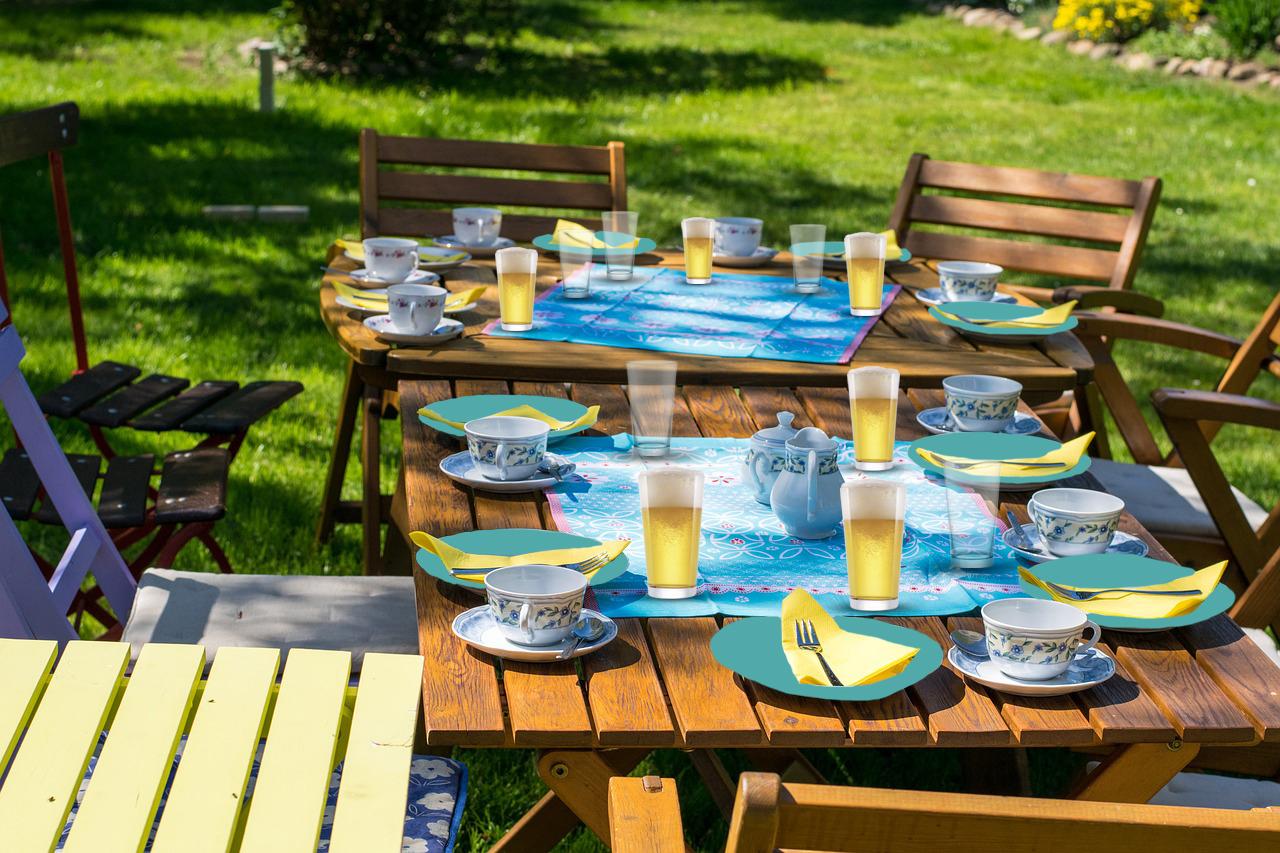 tavola in azzurro giardino
