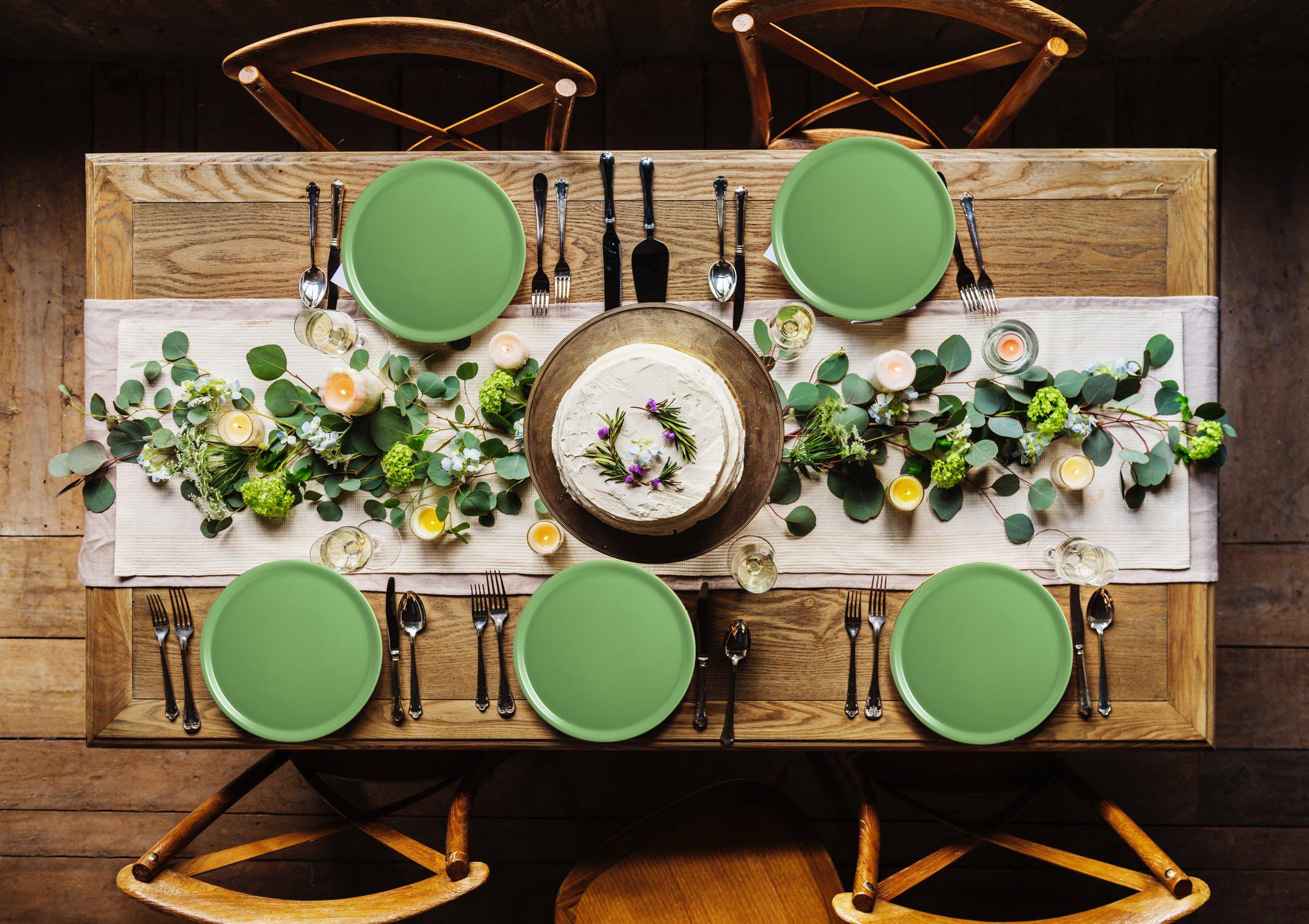 tavola in verde giardino