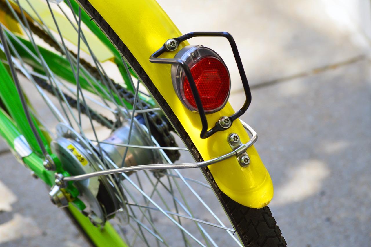 Bike sharing Roma: la bici non funziona e la butta nel Tevere. Individuate due persone