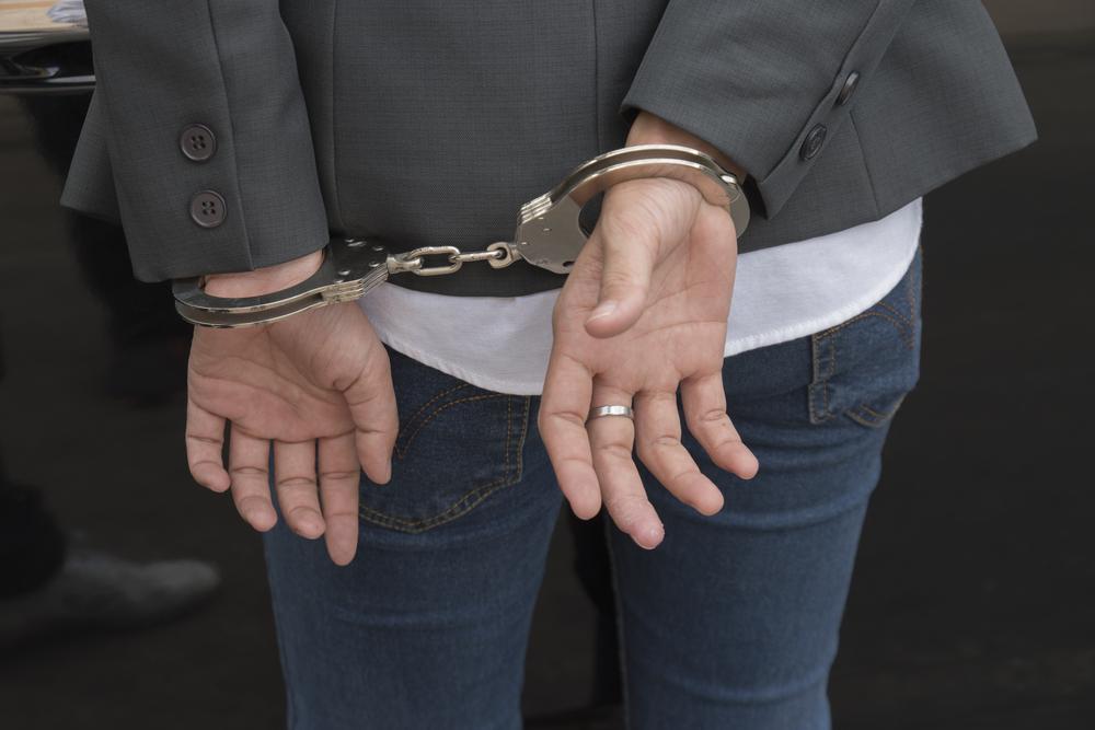 Budrio, tedesca lascia il figlio in auto e tenta di rapinare un anziano