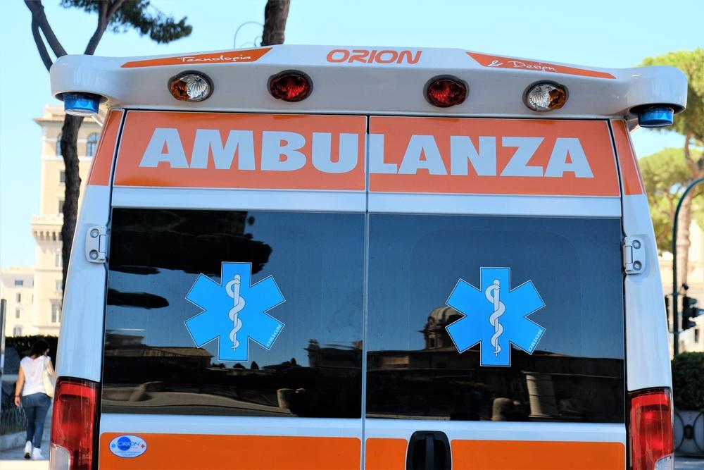 Muore mentre è in vacanza con la famiglia: 13enne risucchiata da un bocchettone della piscina