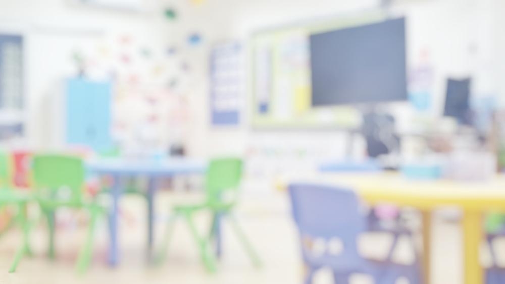 Picchiava e insultava una bambina disabile arrestato insegnante di sostegno