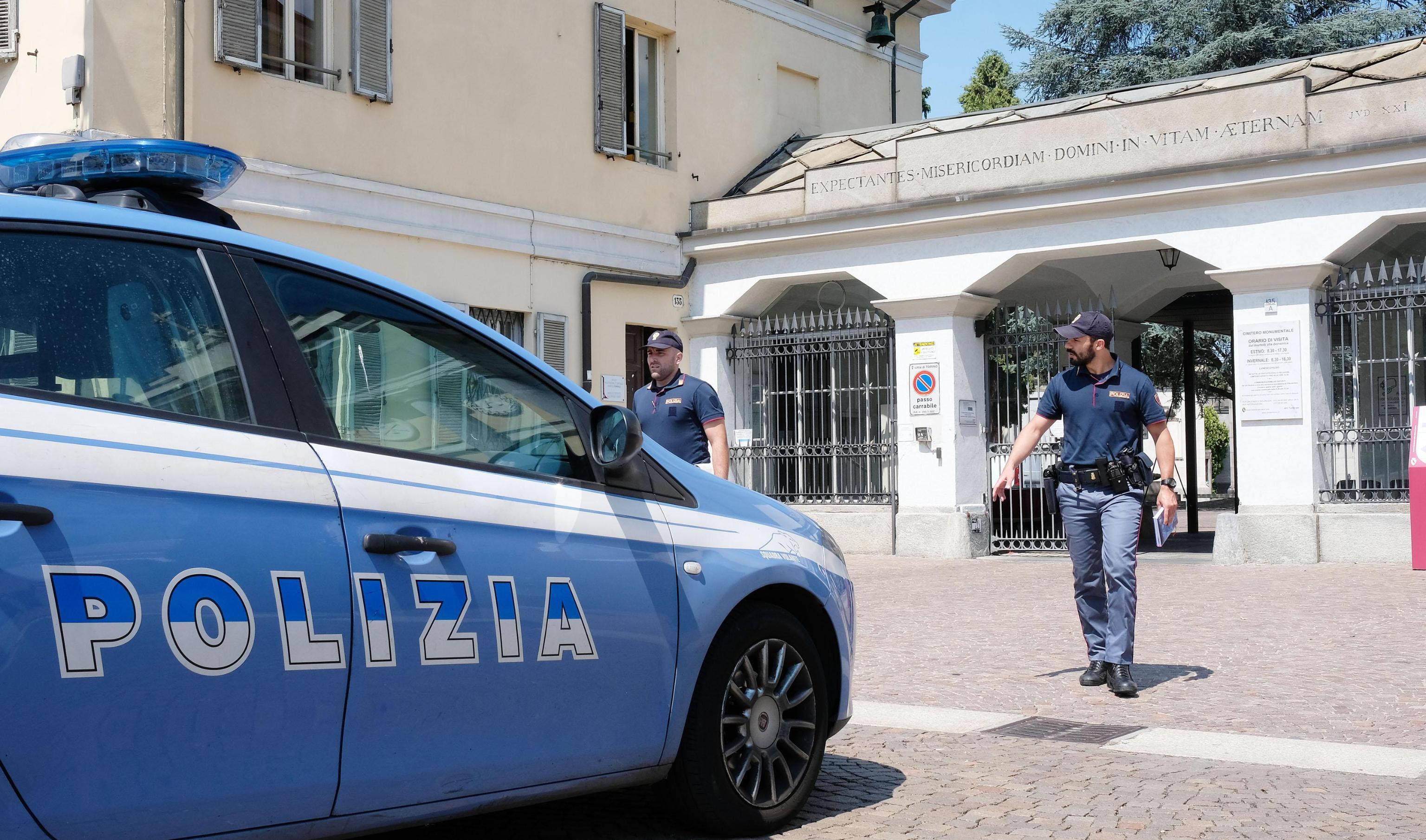 Torino: puniva la figlia lasciandola in ginocchio per ore. Arrestata