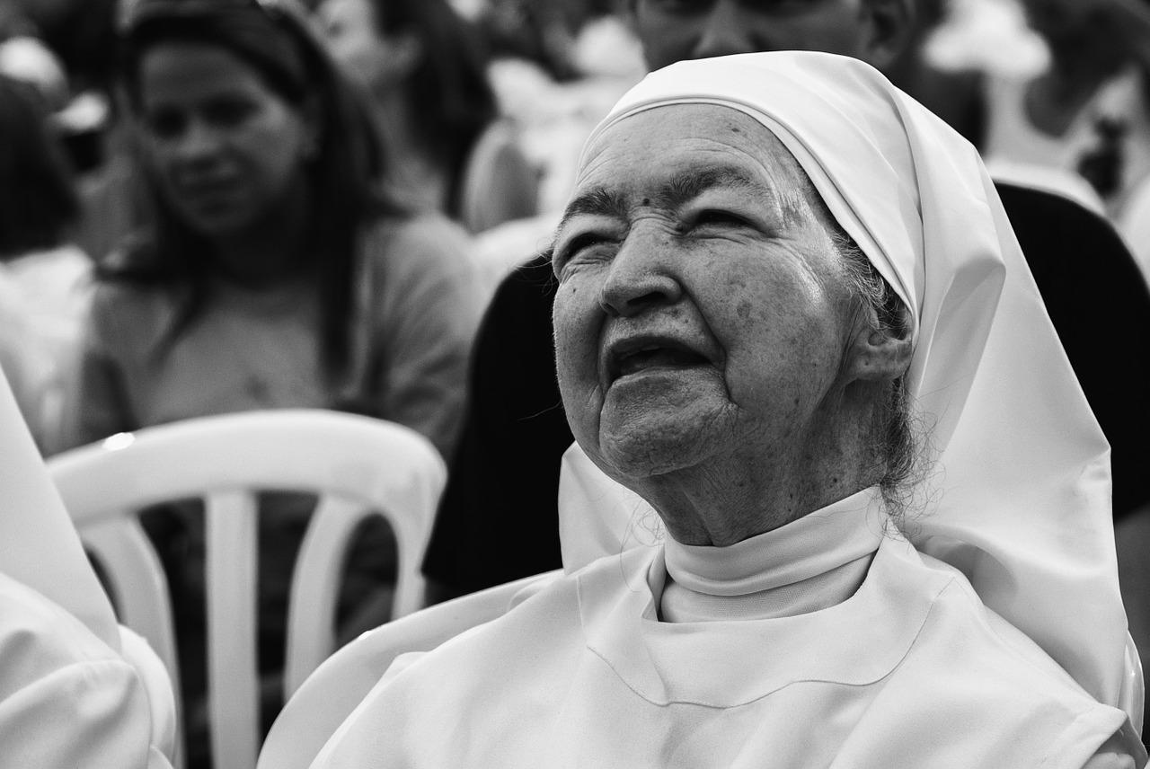 Traffico di bambini venduti: sotto accusa il centro delle suore di Madre Teresa di Calcutta