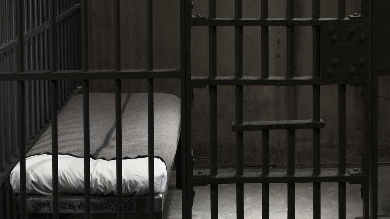 Mutilazioni genitali alle figlie: madre condannata a 8 mesi di carcere