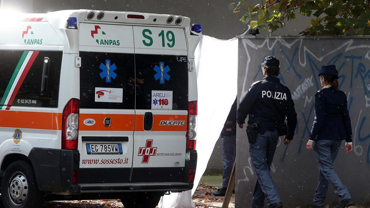 Incidente nella notte a Milano tra un'auto e una moto: morti due giovani abruzzesi