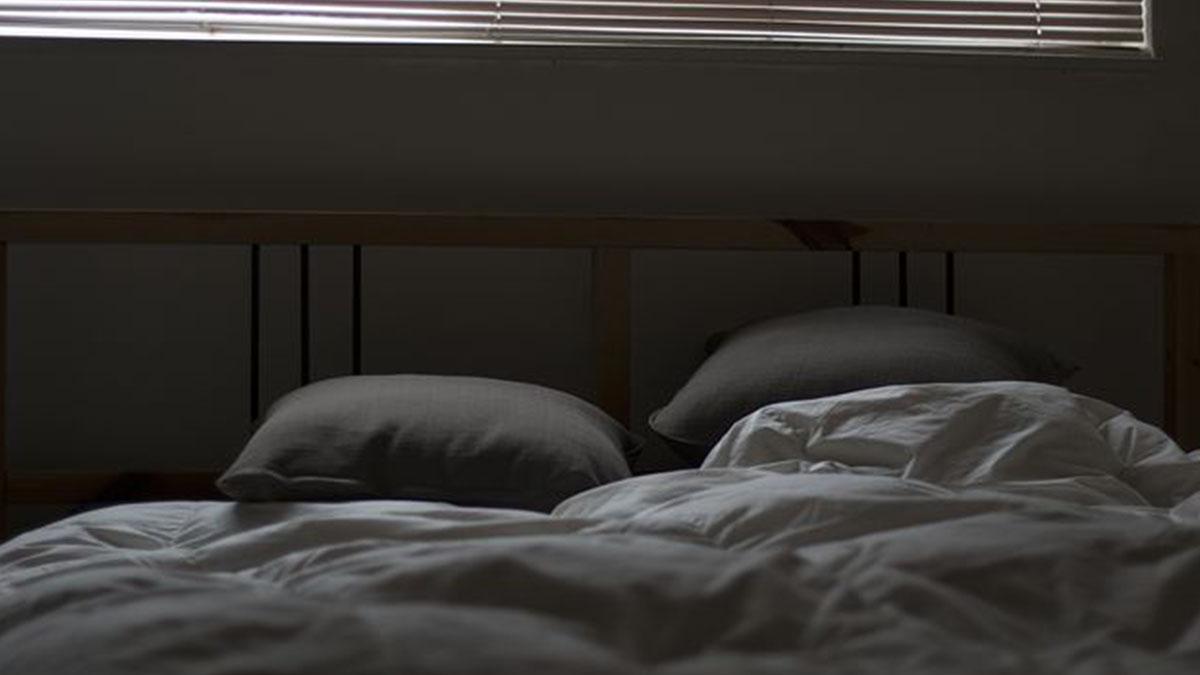 Incubo in hotel: bimbo di 2 anni si sveglia ricoperto di vesciche