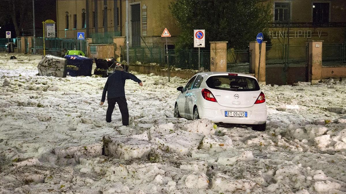 Maltempo, danni in tutta Italia: bombe d'acqua, vento e grandine