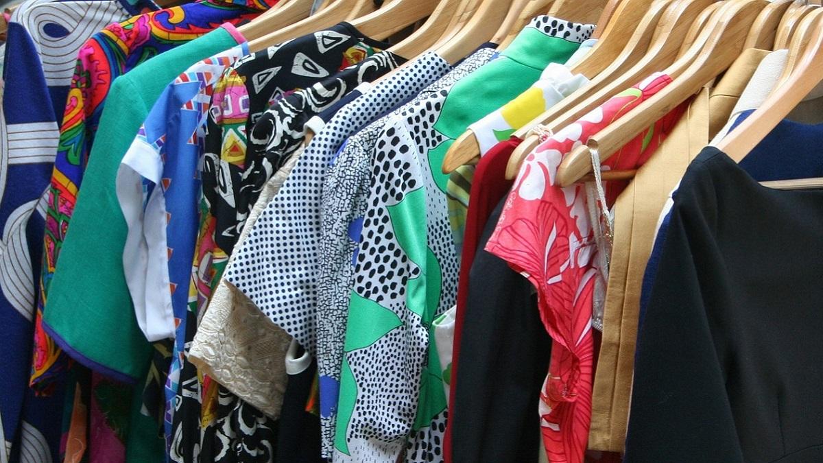Nuove frontiere dello shopping: paghi una tariffa fissa e prendi tutti gli abiti che vuoi