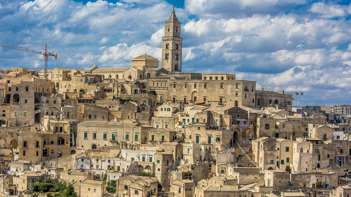 Stop acqua potabile a Matera: è contaminata con batteri fecali