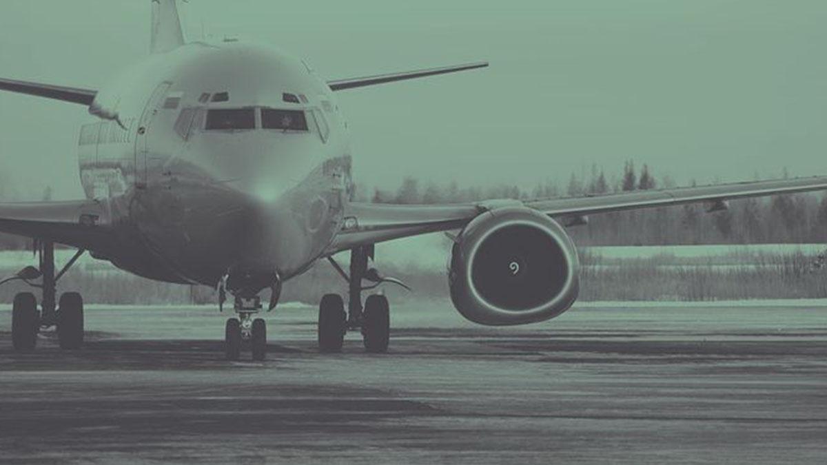 Mangia un panino in aereo e muore: il dramma di una 15enne