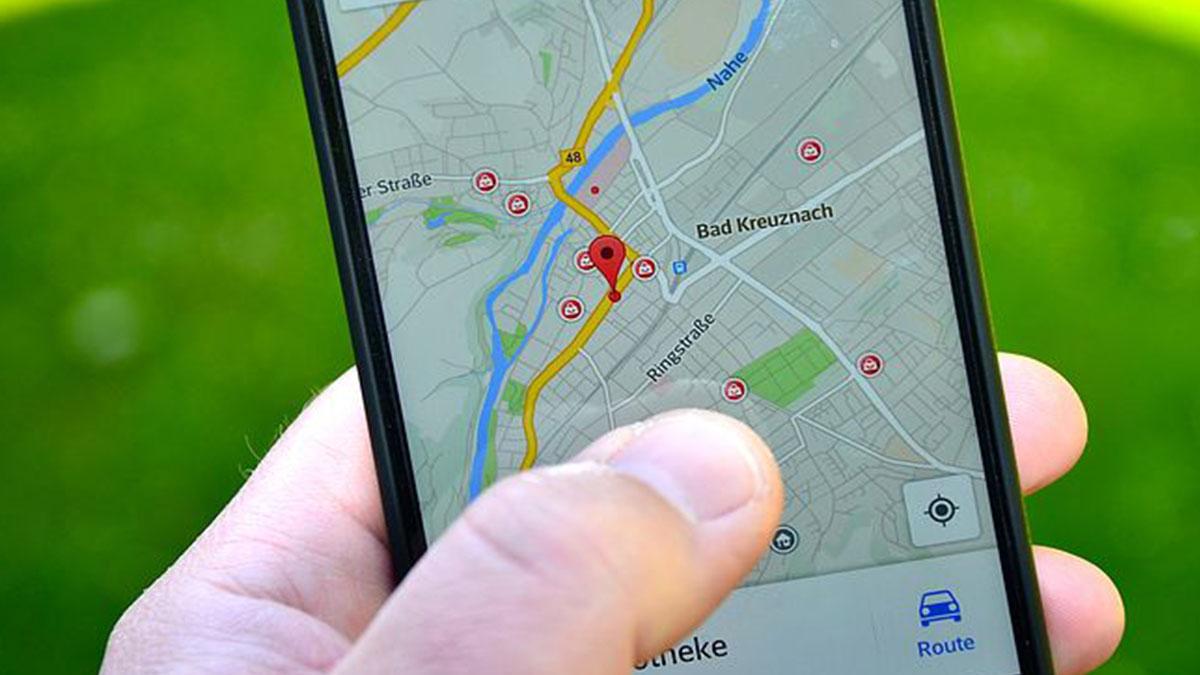 Marito tradito scopre l'infedeltà della moglie su Google Maps