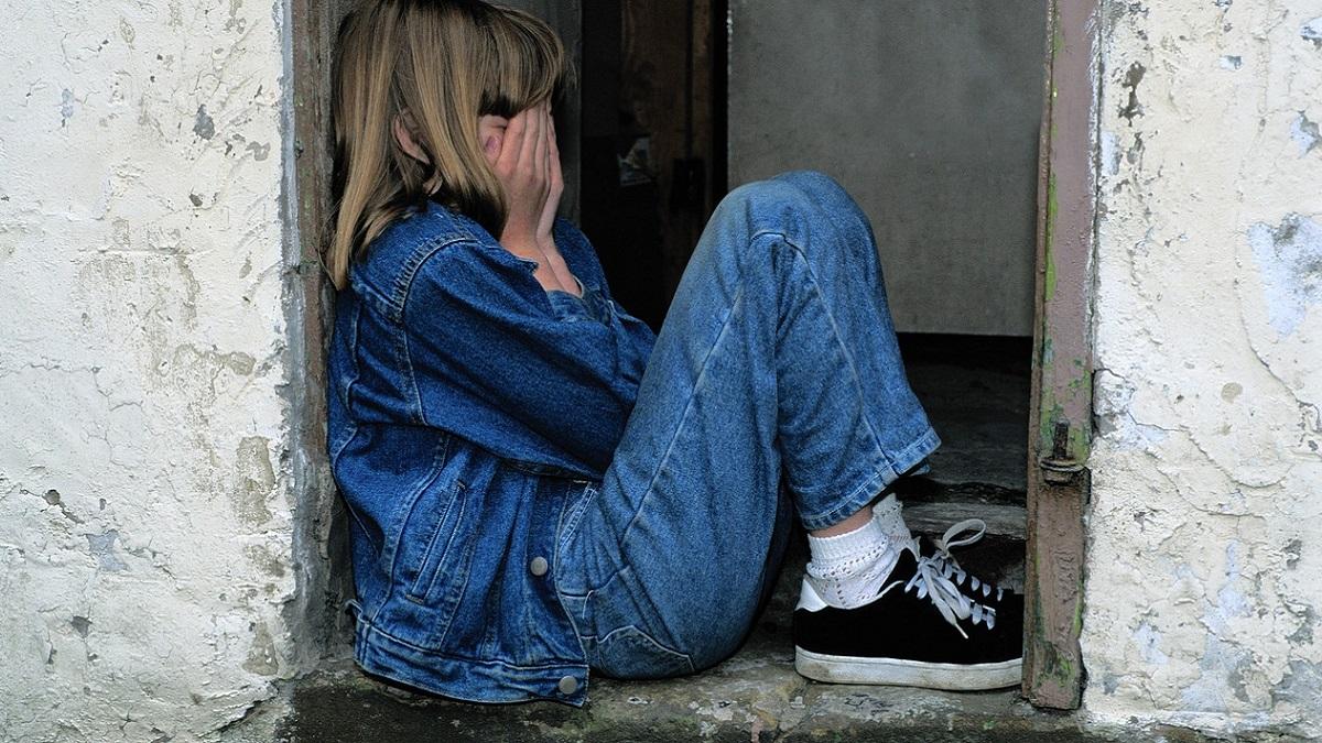Casertano, abusa della figlia 12enne che tenta il suicidio: 48enne arrestato