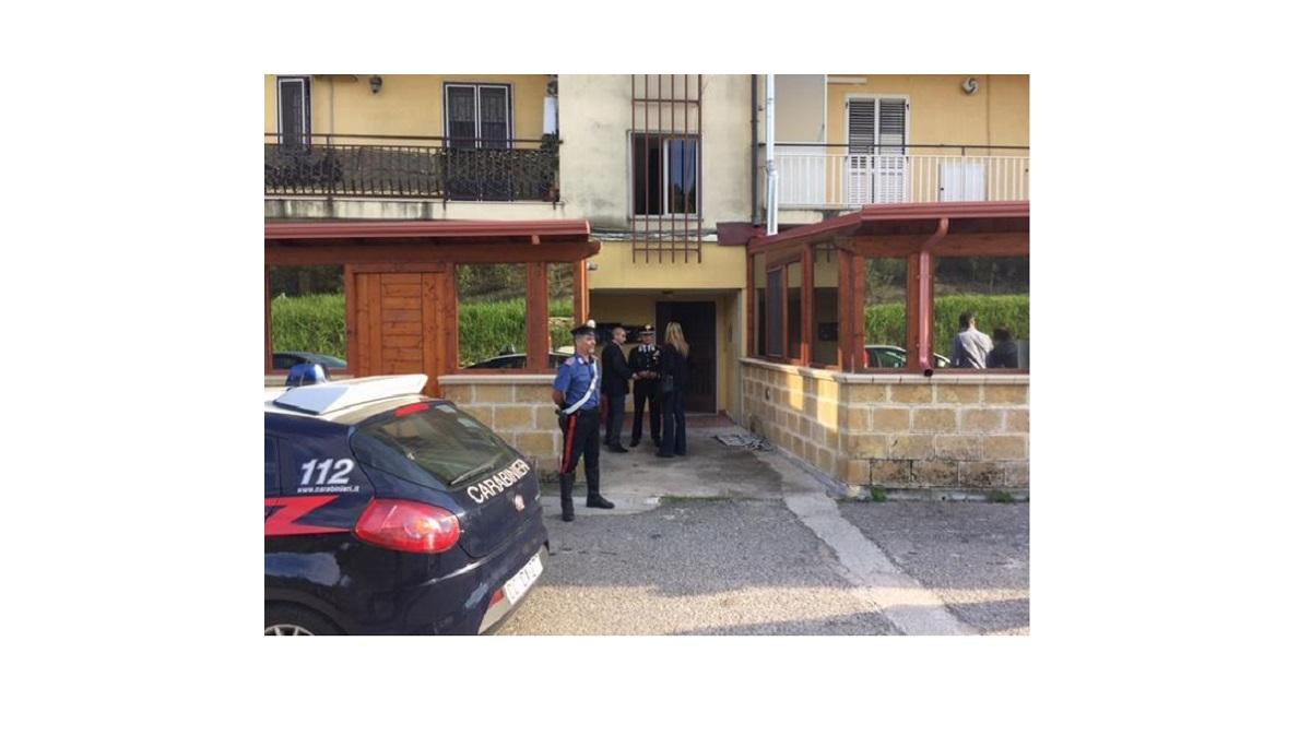 Salerno, fa esplodere l'appartamento con due taniche di benzina per uccidere la fidanzata: 48enne arrestato