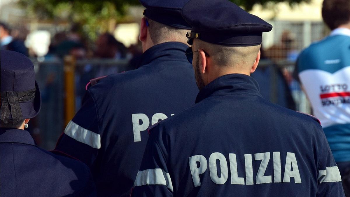 Varese: 15enne rinchiuso in un garage, picchiato e minacciato da una banda di coetanei