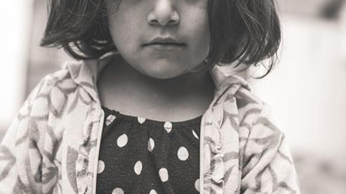 Bimba di 2 anni uccisa dalla babysitter: natiche bruciate e picchiata a morte