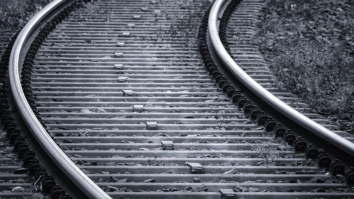 Parabiago, 15enne morto sotto un treno: spunta la pista del gioco finito male