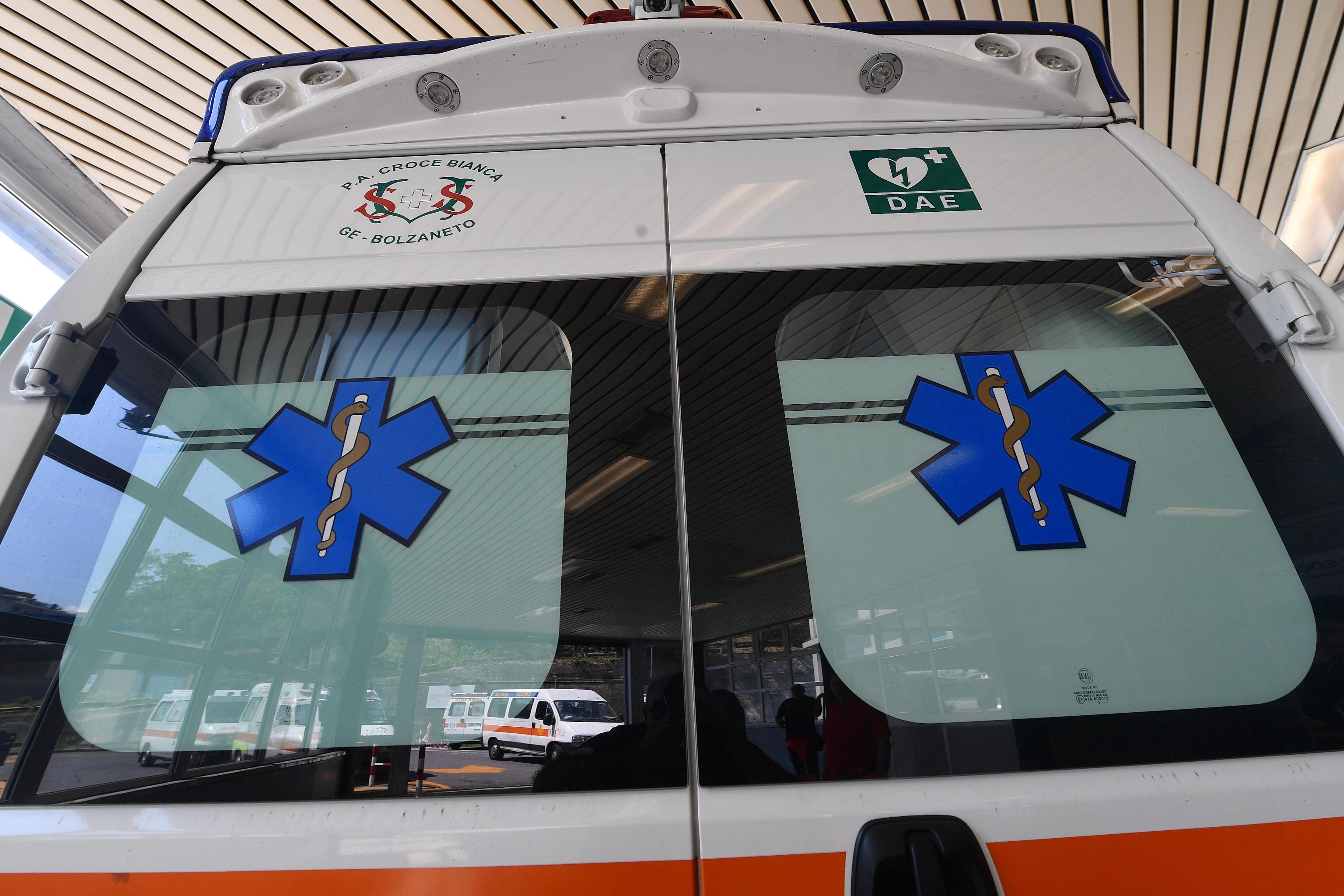 Tragedia nel napoletano: muore bambino di 4 anni soffocato dalle costruzioni
