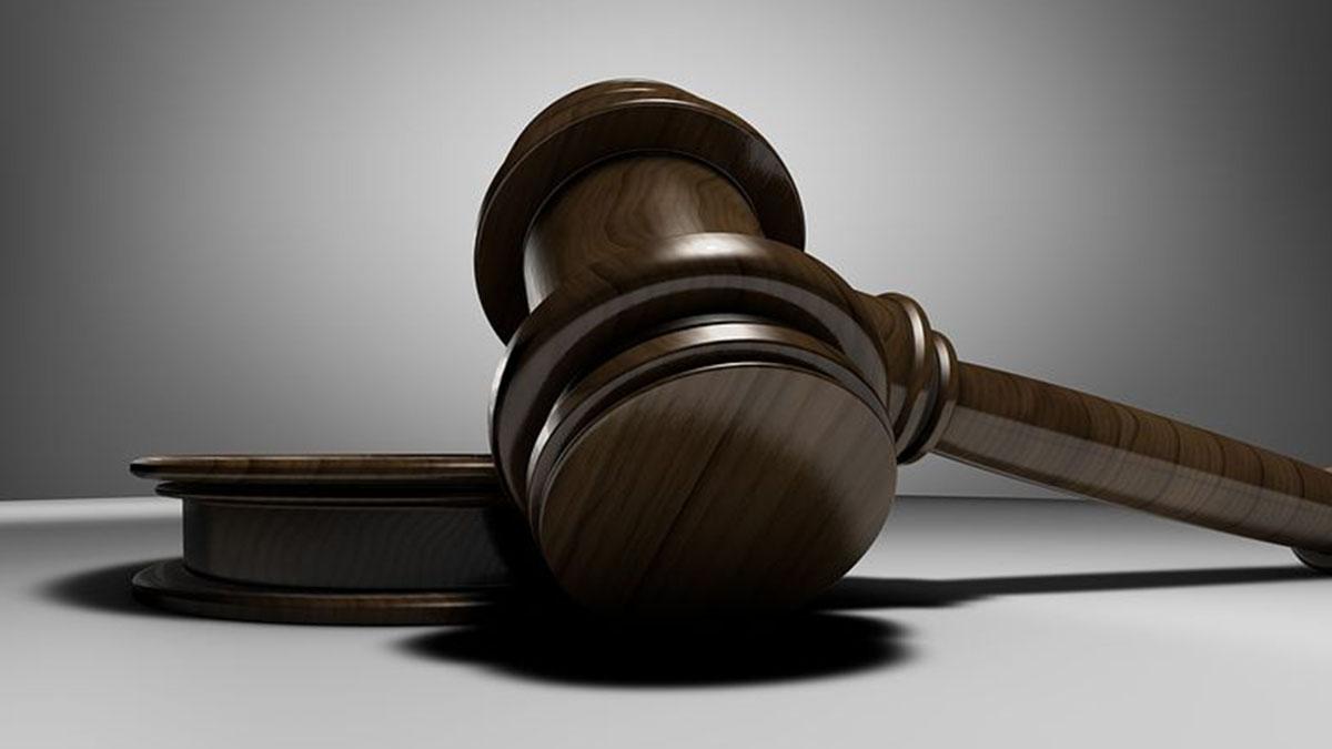 Sentenza shock: stupratore potrà vedere il figlio nato dalla violenza sessuale su una 15enne